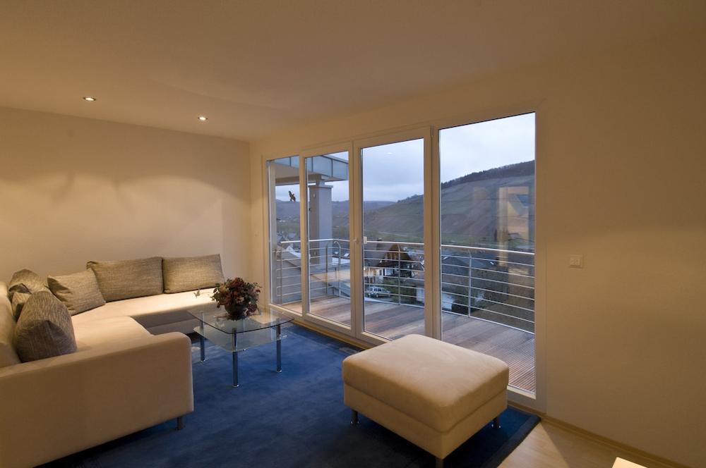 ferienwohnung 39 burg metternich 39. Black Bedroom Furniture Sets. Home Design Ideas